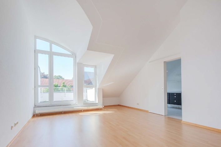 2.5 room attic apartment with roof terrace and outdoor view in a quiet location
